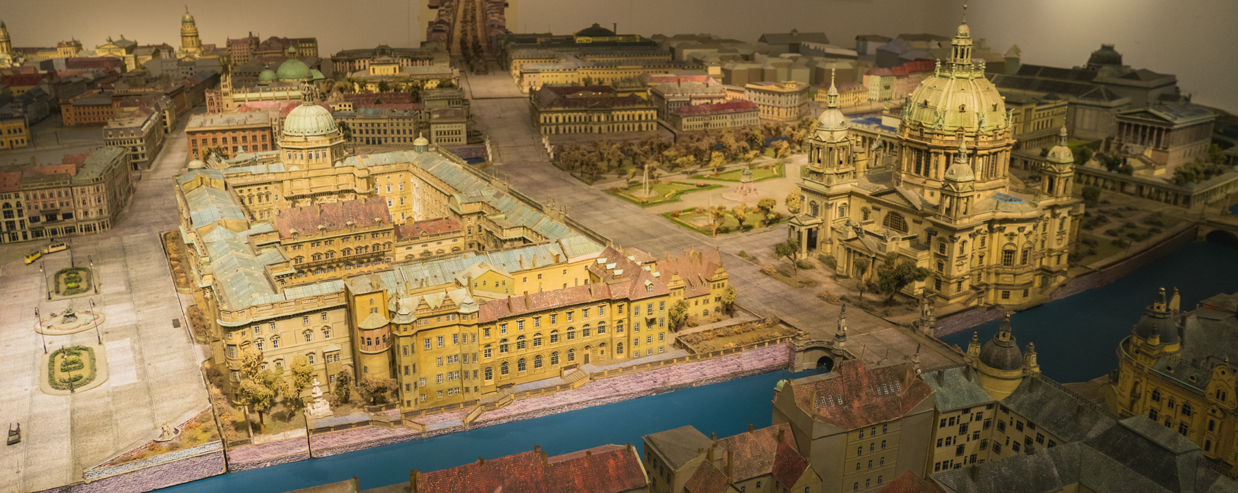 The berlin city palace a must see crazy magical project - Mobeltown berlin ...